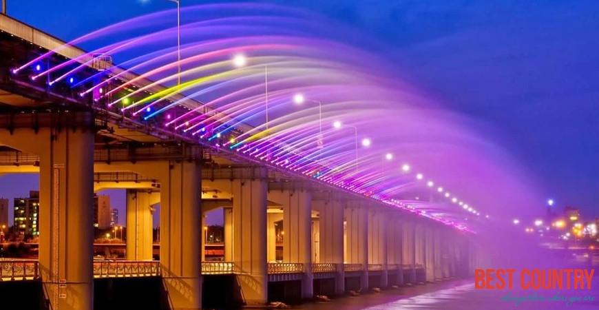 Мост - фонтан в Сеуле