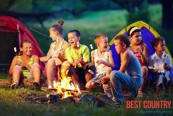Почему ребенок боится и как подготовить его к отдыху в лагере?