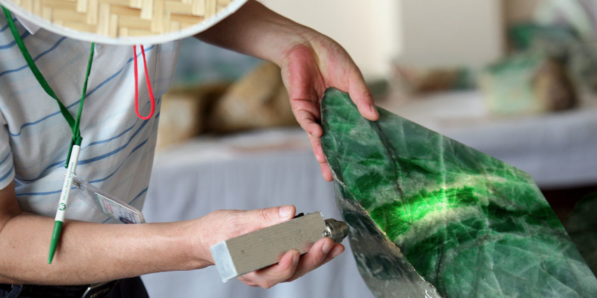How to buy jade in Asia