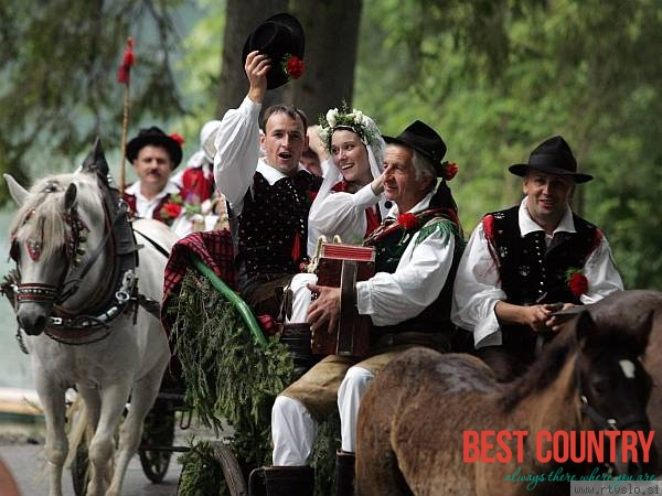 A Traditional Slovenian Wedding