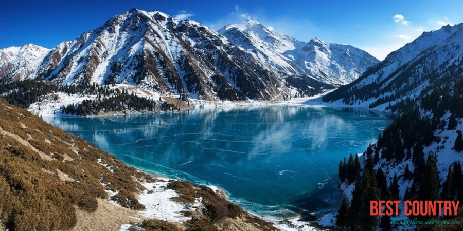 What makes the Kazakhstan climate?