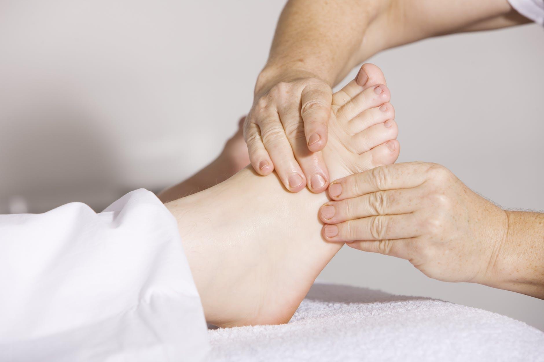 полчаса массажа ног
